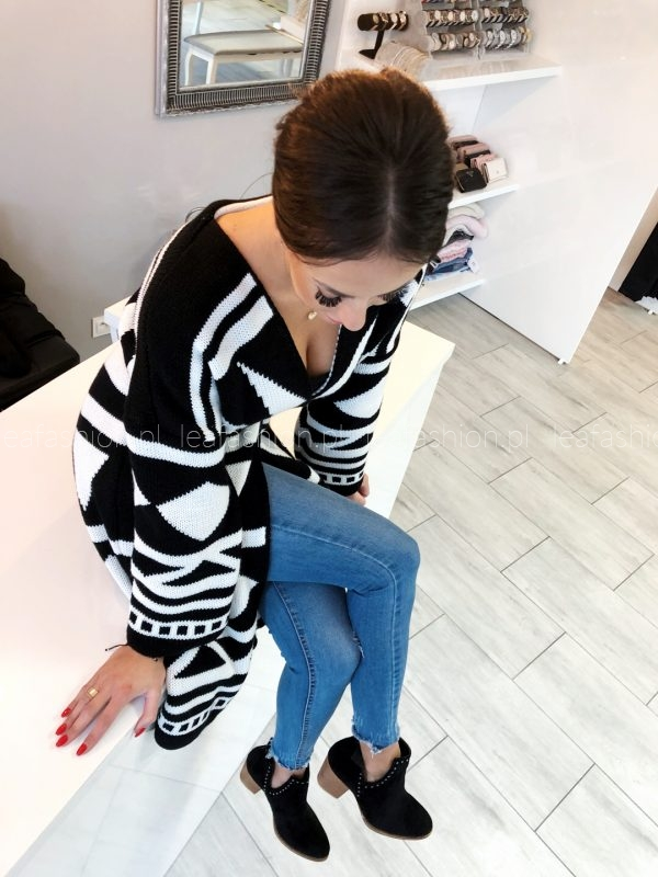 SWETER LONG BLACK & WHITE