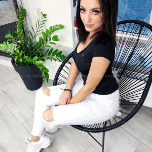 białe spodnie rurki