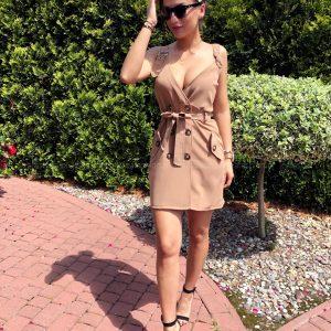 Brązowa sukienka