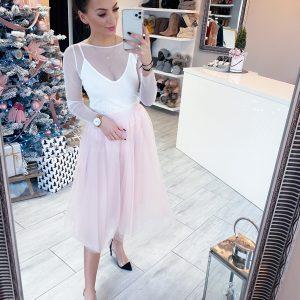 Różowa spódnica